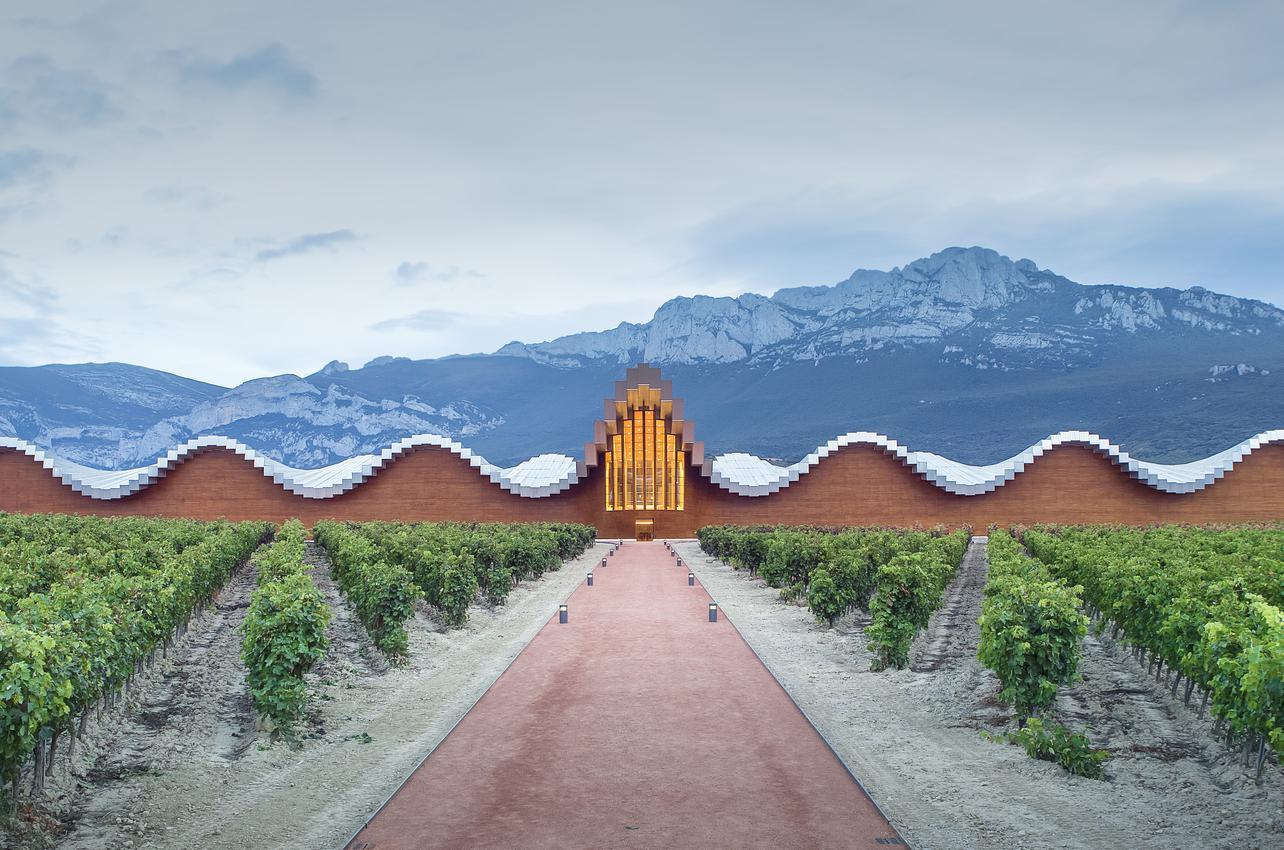 Bodegas Ysios  (Domecq Pernod Ricard)