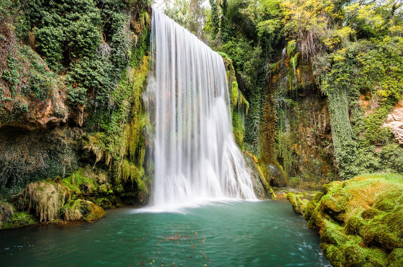 No son las cataratas del Niágara, son las del Monasterio de Piedra. Foto: Shutterstock
