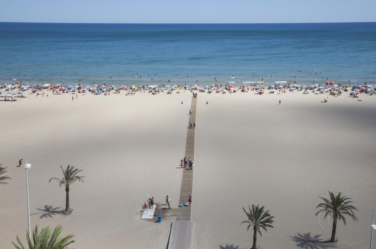 Arenal impoluto en Playa Gandía. (Foto: Alex Oltra.)