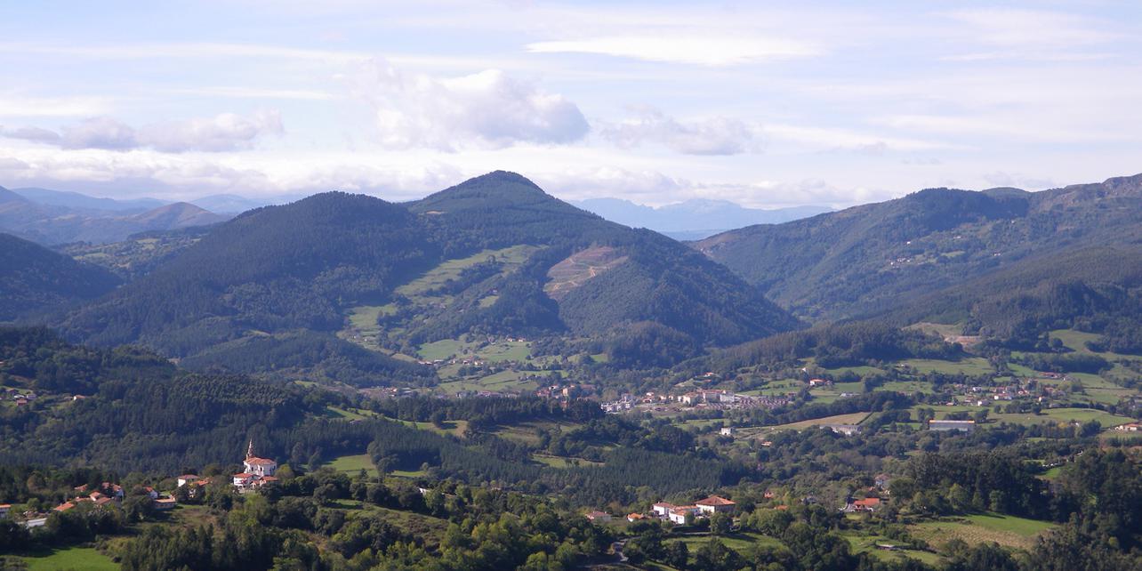 Montes Albertia y Motxotegi