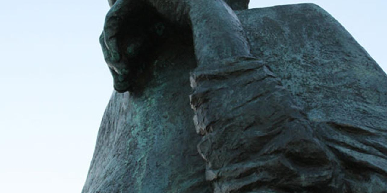 Monumento al cardenal Cisneros