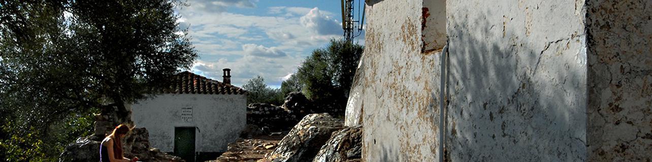Ascenso al castillo árabe de Monfragüe