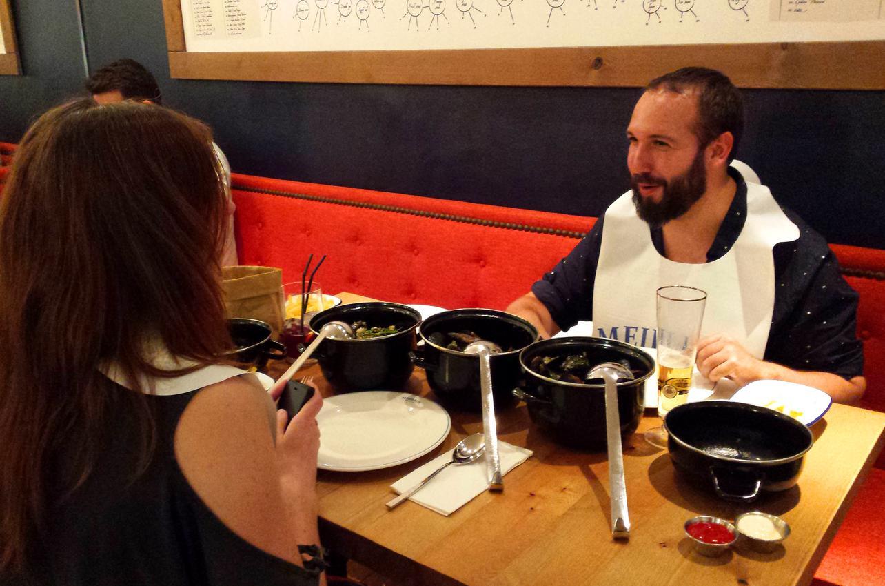 Comimos mejillones ricos, ricos. / Foto: Camino Martínez