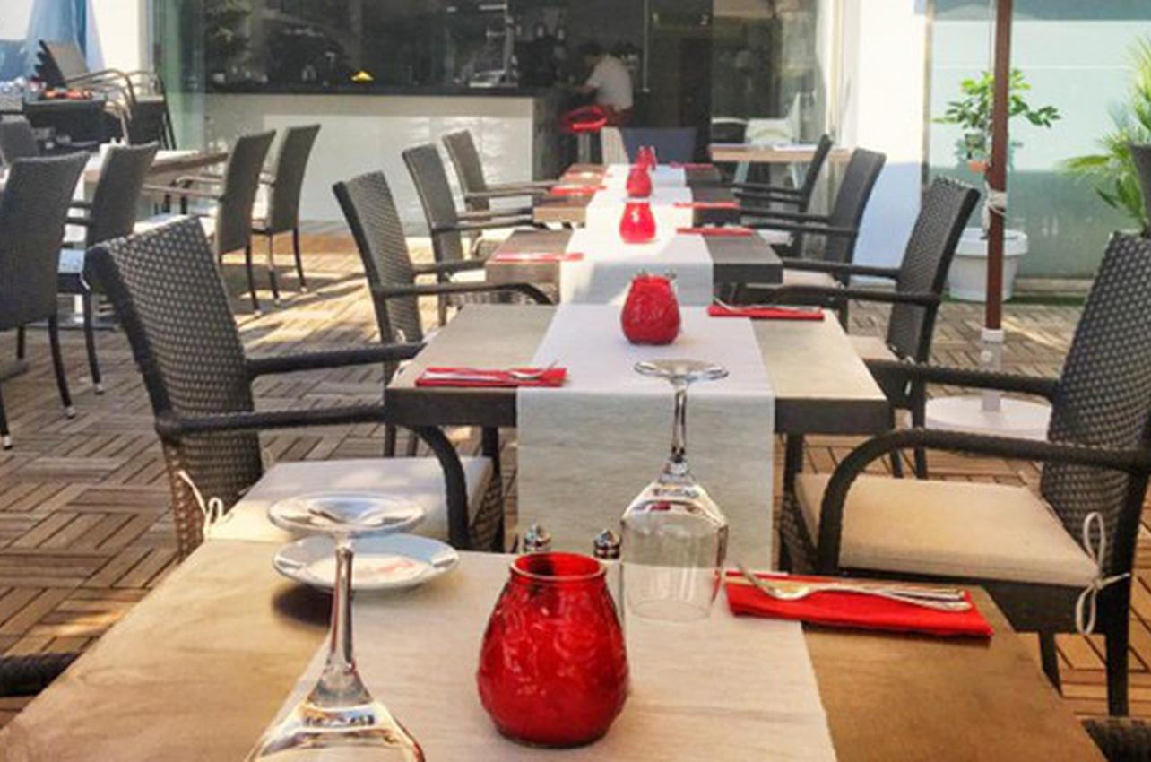 17 Bar and Restaurant