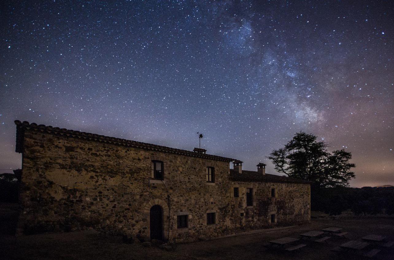 Observación con telescopio en el Montnegre