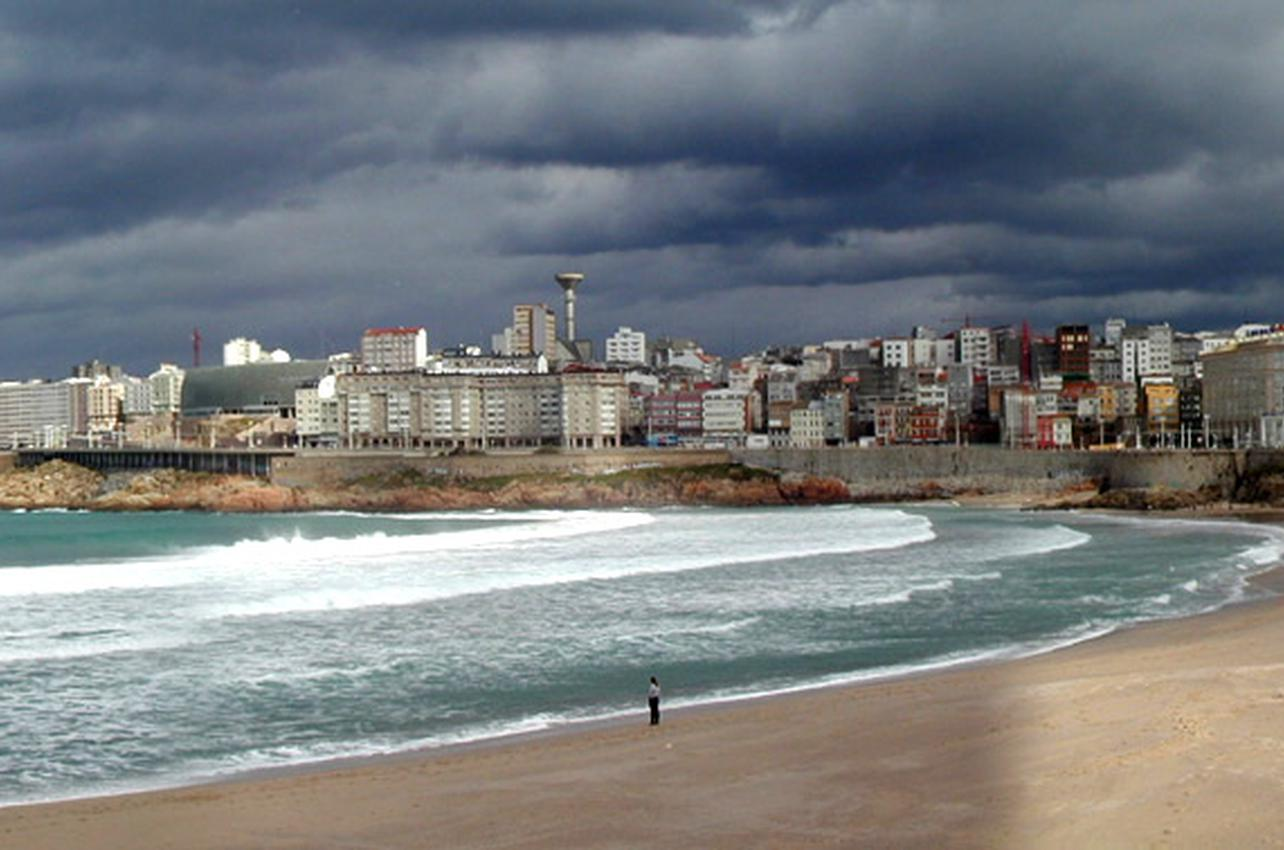 Playa de Orzán. Foto: Pachin vía Wikipedia.
