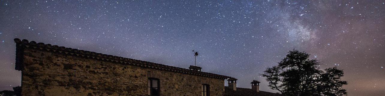 Observación astronómica en pareja en el Collsacabra