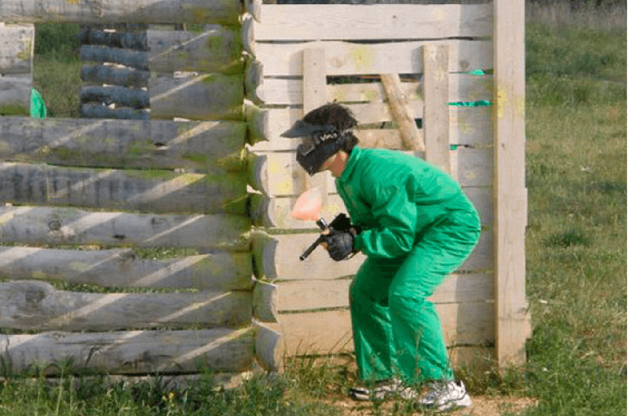 Paintball para niños de 14 a 17 años en Zaragoza