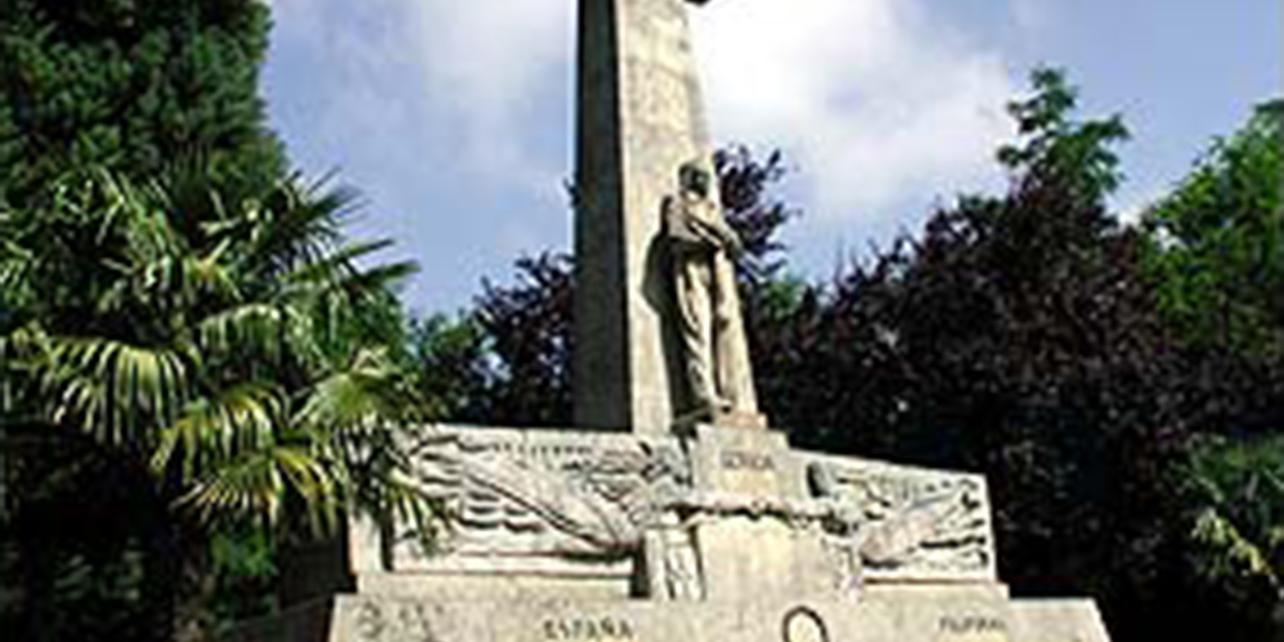 Monumento a Don Joaquín Loriga