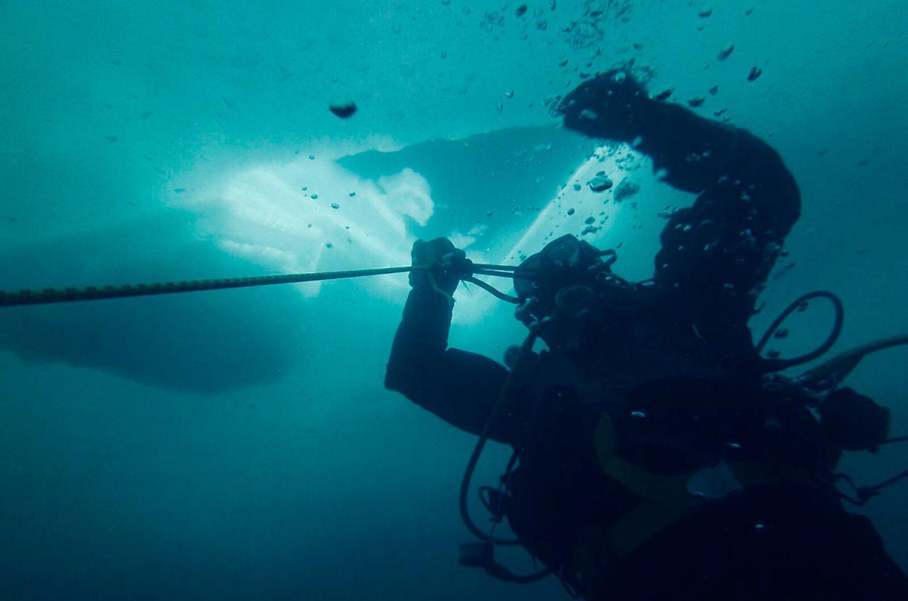 Buceo bajo el hielo en Panticosa. Foto: José Polo