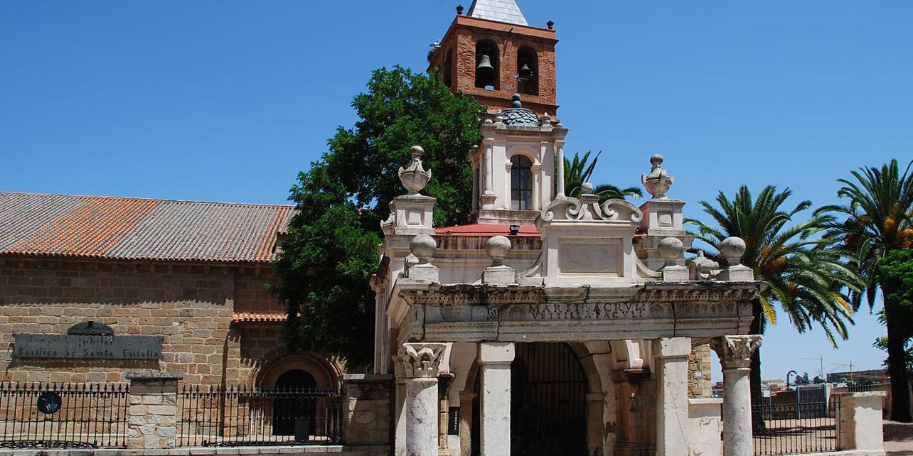 Basílica de Santa Eulalia/ Templo de Marte