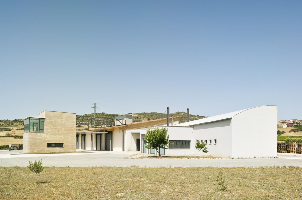 Bodegas y Viñedos Artazu S.A.