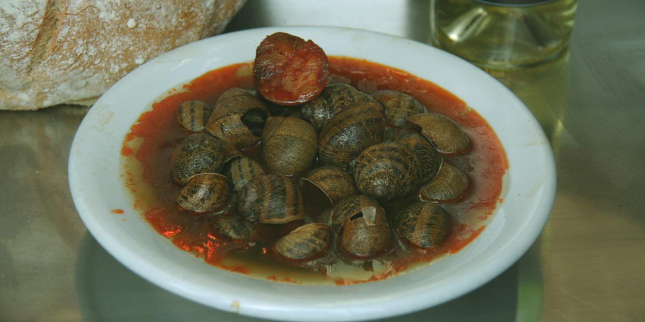 Caracoles con tomate y chorizo
