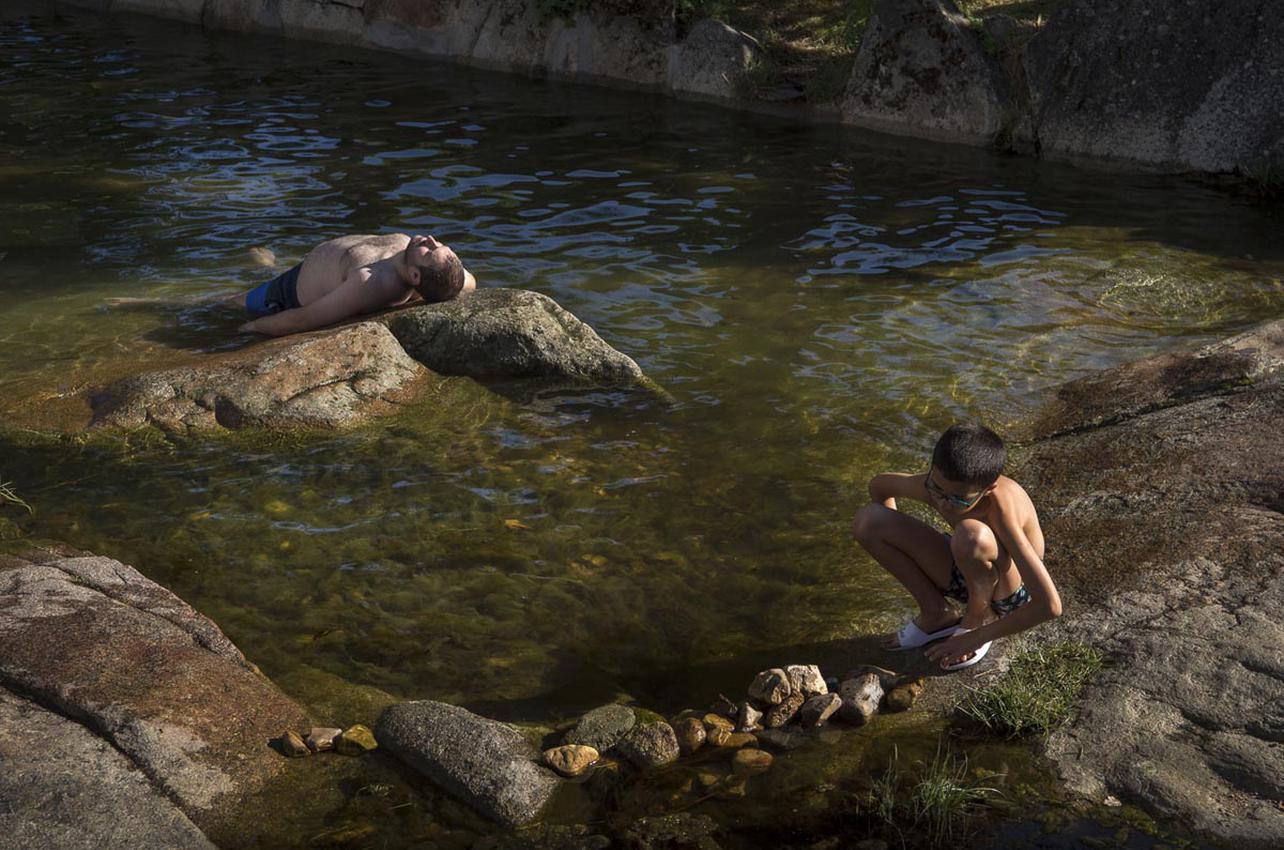 El arroyo Candervelo se convierte cada verano en unas improvisadas piscinas naturales. Foto: Manuel Ruiz Toribio