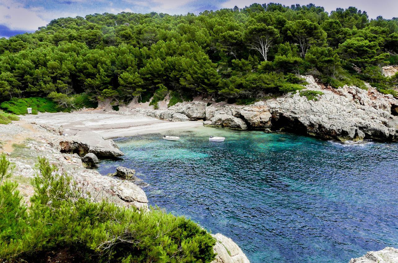 Cala Fustam (Menorca). Foto: Flickr / Iñigo Yvorra, Creative Commons.