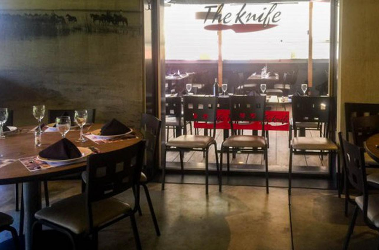 The Knife - Arturo Soria