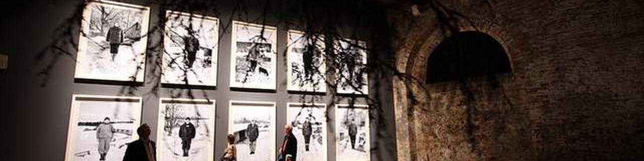 A contratemps. Mig segle d'artistes valencianes (1929-1979)