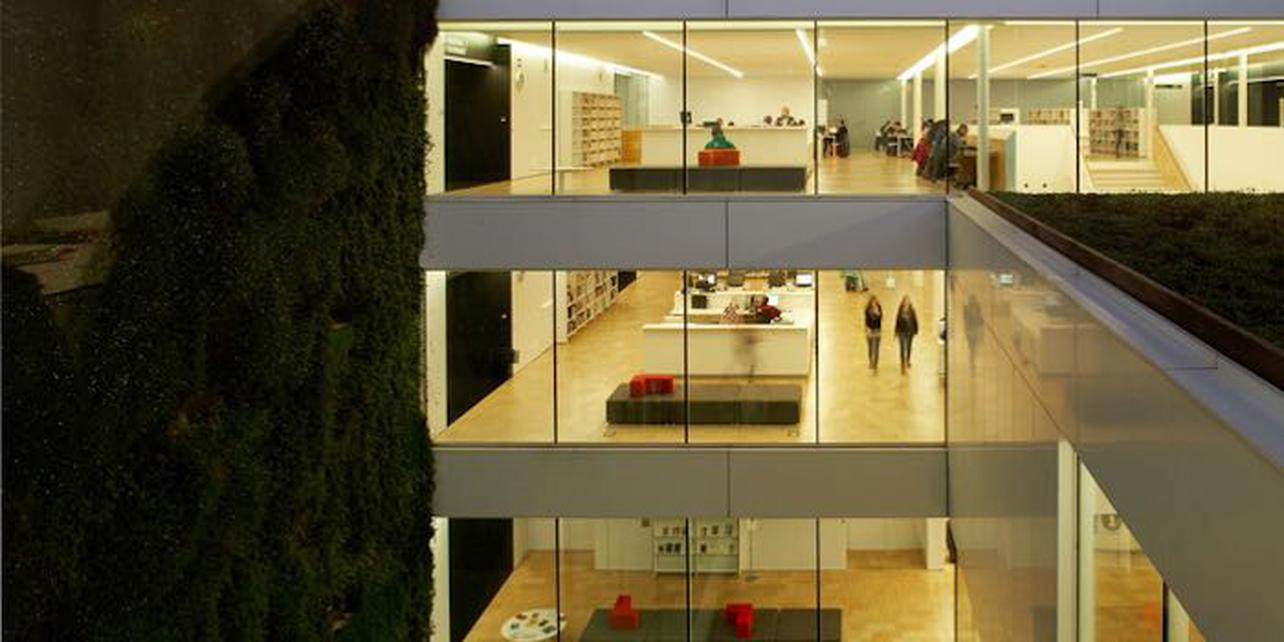 Biblioteca Pública Carles Rahola